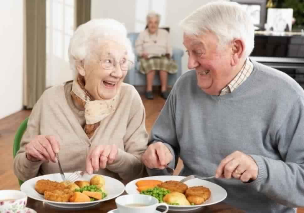 Envie de vivre à 100? Ces aliments vous aideront à vous sentir mieux et être en bonne santé ...
