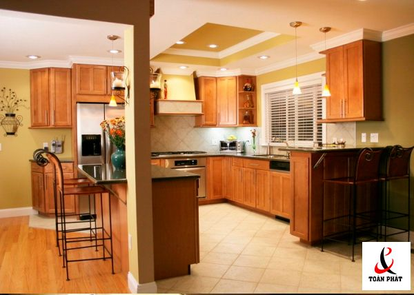 Mẫu trần nhà bếp xuyên sáng đẹp 4