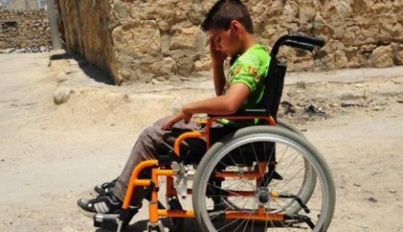 الحرب السورية تسرق أحلام الطفل عبدالله في حلب .؟