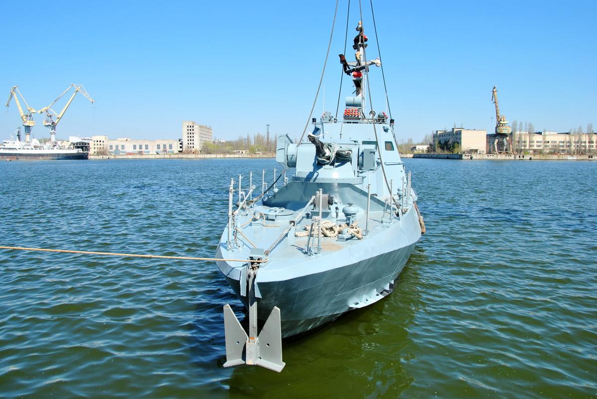 У Миколаєві спустили на воду два бронекатера ВМСУ