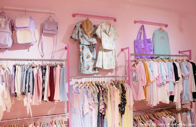 IMG 9807 - 台中西屯│王皮香One Pink Shop。超萌少女心準備爆棚啦!整面滿滿滿的可愛娃娃與夢幻飲品根本超好拍!
