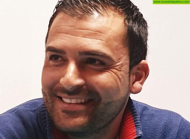 Omar Fumero promete una bajada de impuestos en Mazo