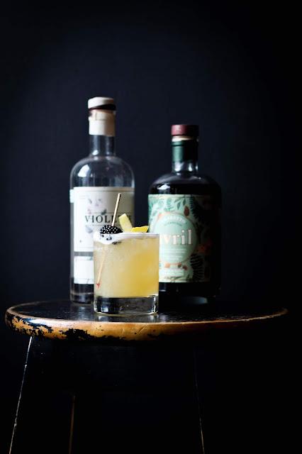recette,cocktail,gin-violette,recette-cocktail-gin-violette,pourvoyeur,gin-pub,montreal,madame-gin,meilleur,mixologie,gin-quebecois,avec,madamegin