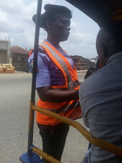 Police woman extorting money from keke (1)