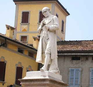 Prodi shares his home town of Scandiano with the biologist  Lazzaro Spallanzani, whose statue in the main square