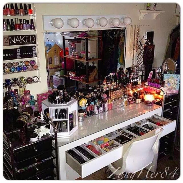 F The Best Makeup Collections on Instagram - PrettyPRChick.com on Make Up Room  id=80847