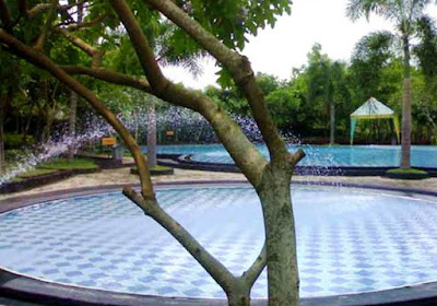 Kimo Swimmingpool Jember