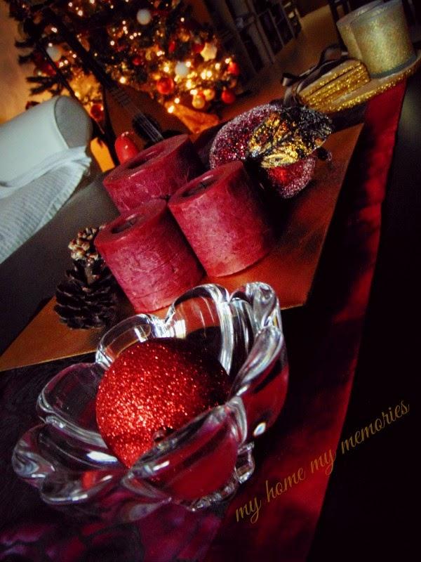 Χριστουγεννιάτικη-σύνθεση-κόκκινο-ρόδι