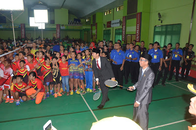 Wabup Arifin Buka Kejuaraan Bulutangkis Bupati Cup Open Jatim 2017