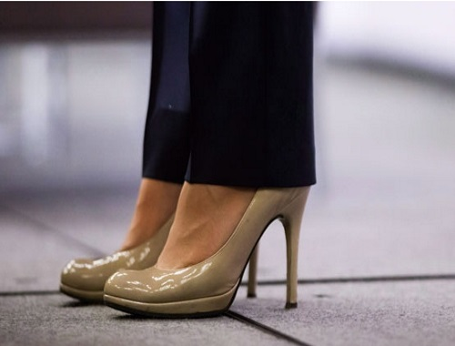 Ontario bill seeks to ban mandatory high heels as part of uniforms