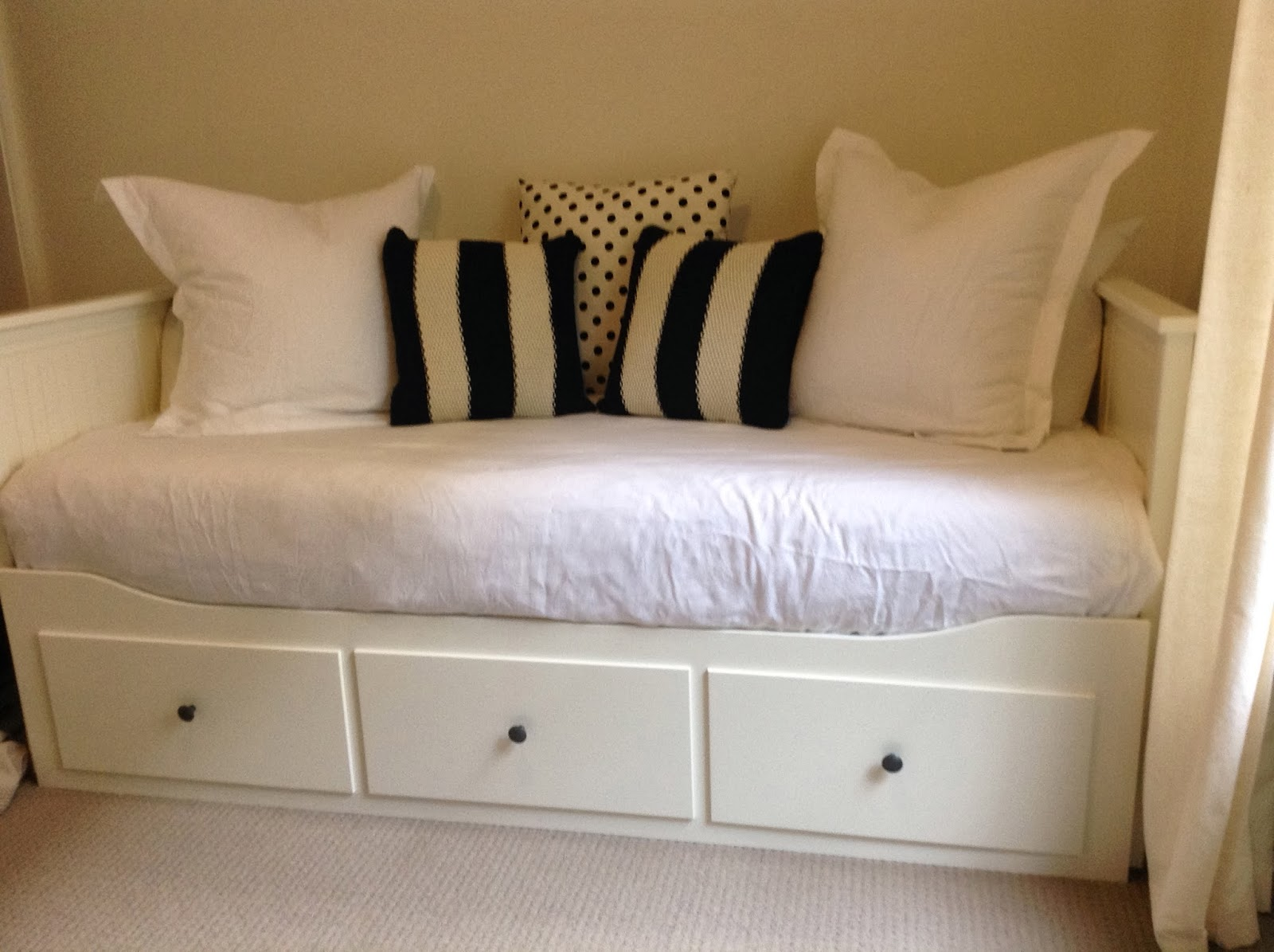 Bedroom Chair Gumtree Ferndown Office Chairs Houston Tx Ikea Day Bed Manchester  Nazarm