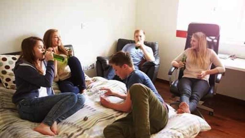 Targhe anticoncezionali beventi fermate durante il mezzo di un pacco