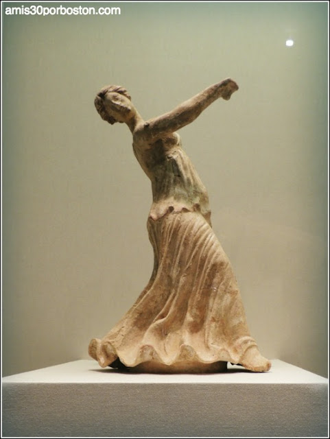 Legion of Honor: Figurine of a Dancing Woman