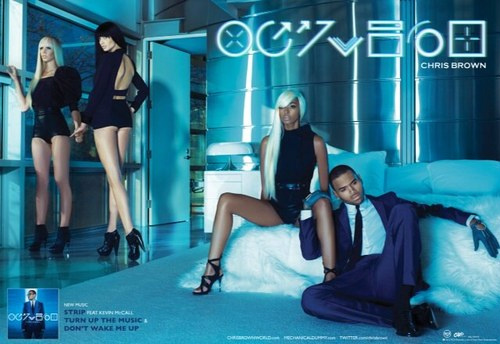 RAW HOLLYWOOD : CHRIS BROWN GOES GQ FOR