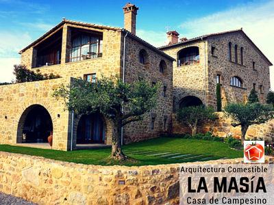La Masía o Casa de Campesino es el conjunto construido que forma un núcleo