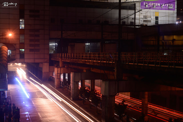 December 26, 2016: Motion Time Lapse in MRT Shaw (Tokina 12-24/4 and Minolta 28/3.5)
