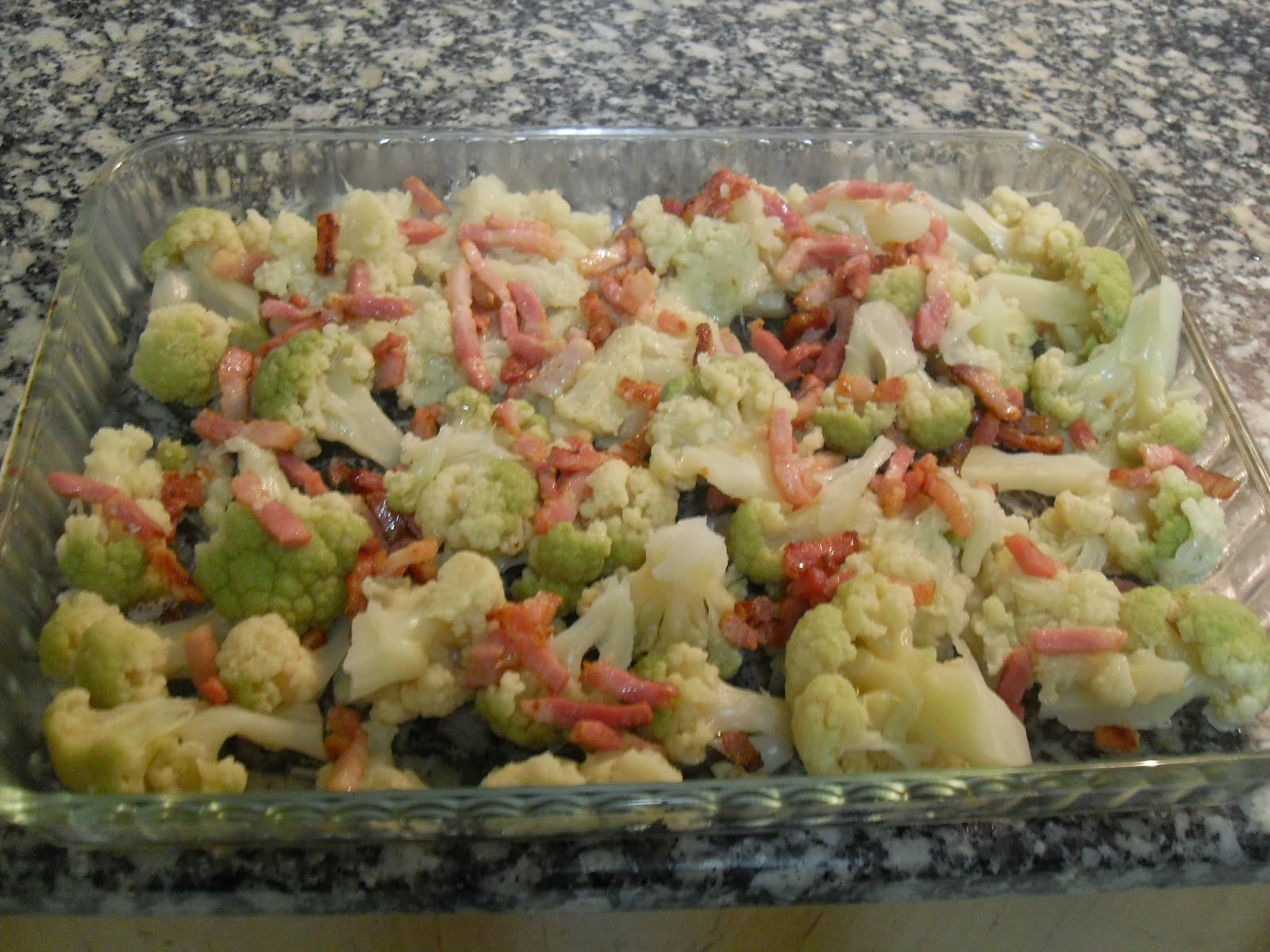Mezcla de coliflor con brócoli y bacon.