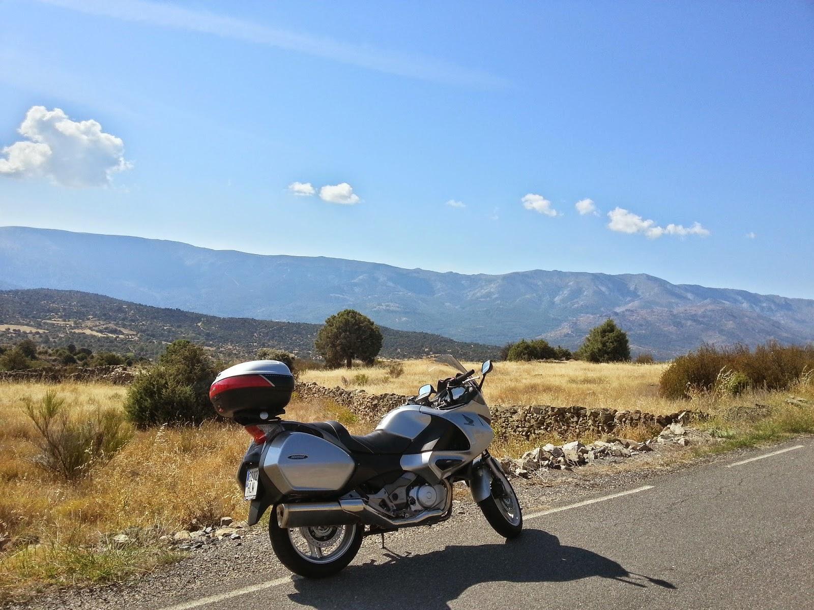 ruta en moto por San Juan de la Nava