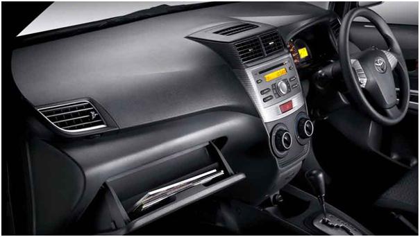 Tips membersihkan Dashboard Mobil