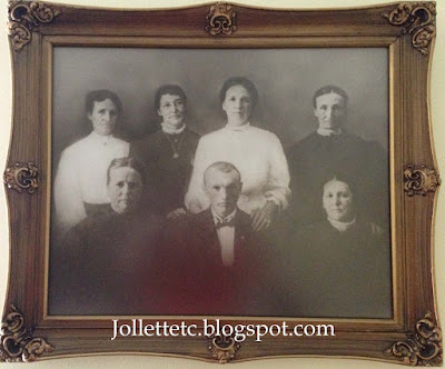 Jollett Family Portrait https://jollettetc.blogspot.com