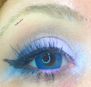 eye_makeup_look_neutral_with_blue