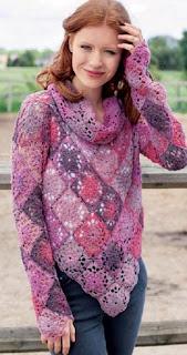 pulover-iz-kvadratnyh-motivov
