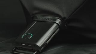 Spontaneus Pop Up Display Monitor Lipat