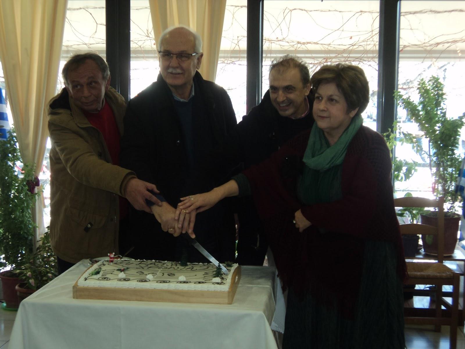 Γεύματα αγάπης από τον Δήμο Λαρισαίων (ΦΩΤΟ)