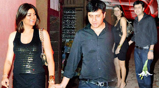 Sushmita Sen and so called beau Ritik Bhasin revive their love.jpg
