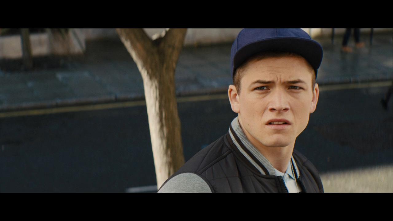 Kingsman: El Servicio Secreto (2014) UNRATED BRRip 720p Latino-Ingles captura 1