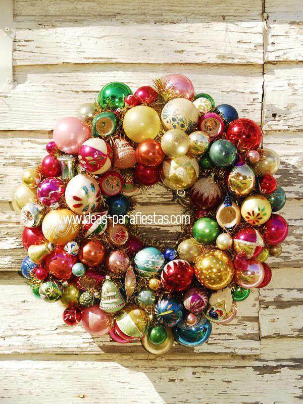 Rosca de Navidad con esferas de arbolito