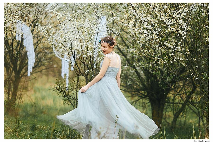 фотосессия в цветущем саду, фотозона в яблоневом саду