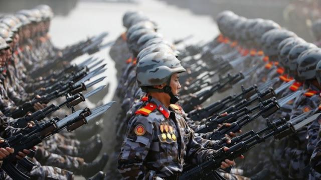 بالصور كوريا الشمالية تتحدى أمريكا بأكبر استعراض عسكري في تاريخها وقامت بهذا الشىء للمرة الأولى في تاريخها