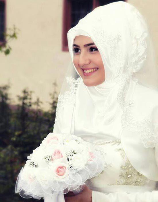 8 Inspirasi Gaun Pengantin Putih Untuk Muslimah 2017