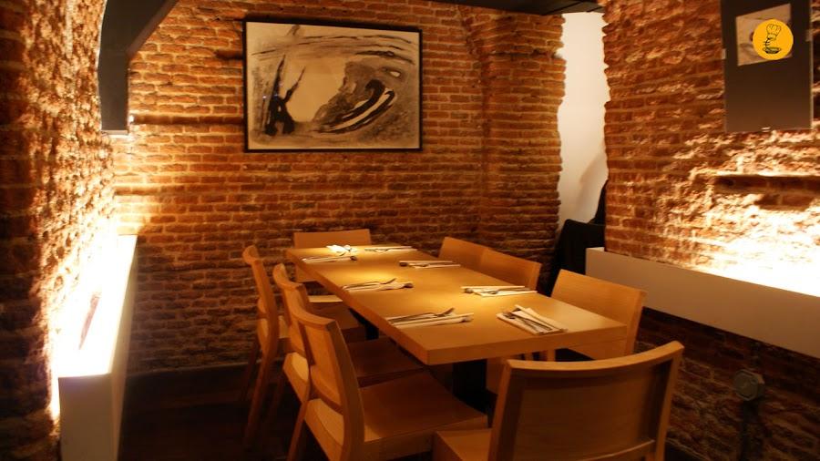 Cueva en L´Artisan Furansu Kitchen Madrid Barrio de las Letras