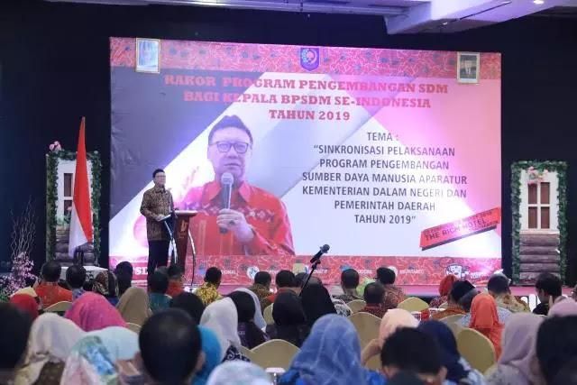 Mendagri Tjahjo Kumolo: ASN Jangan Netral, Sampaikan Program Pak Jokowi
