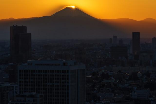 ダイヤモンド富士~世界貿易センタービル