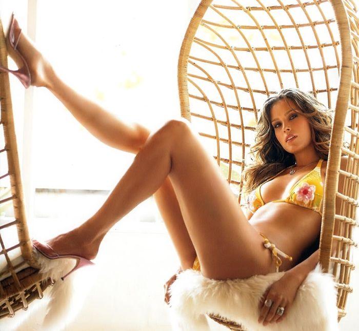 Super Teen Girl Wallpaper Celebrities In Hot Bikini Tv Host Model Petra Nemcova In