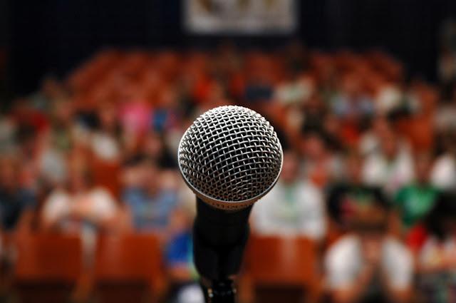 Menjadi Lebih Percaya Diri pada Saat Public Speaking