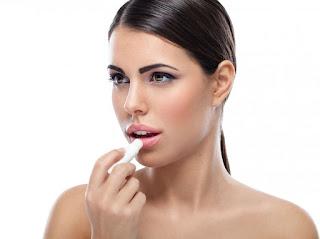 Cara Menghilangkan Putih Putih Di Pinggir Bibir