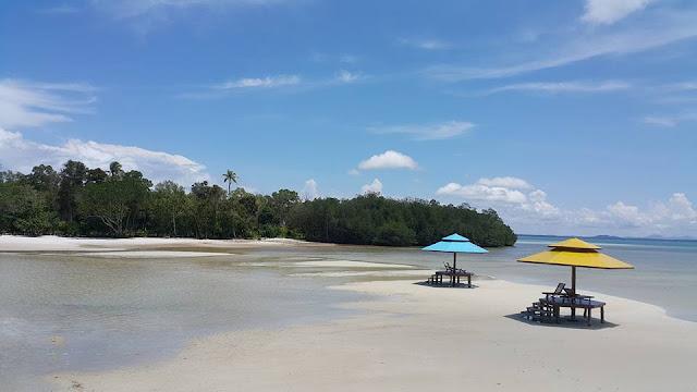 pesona pulau leebong