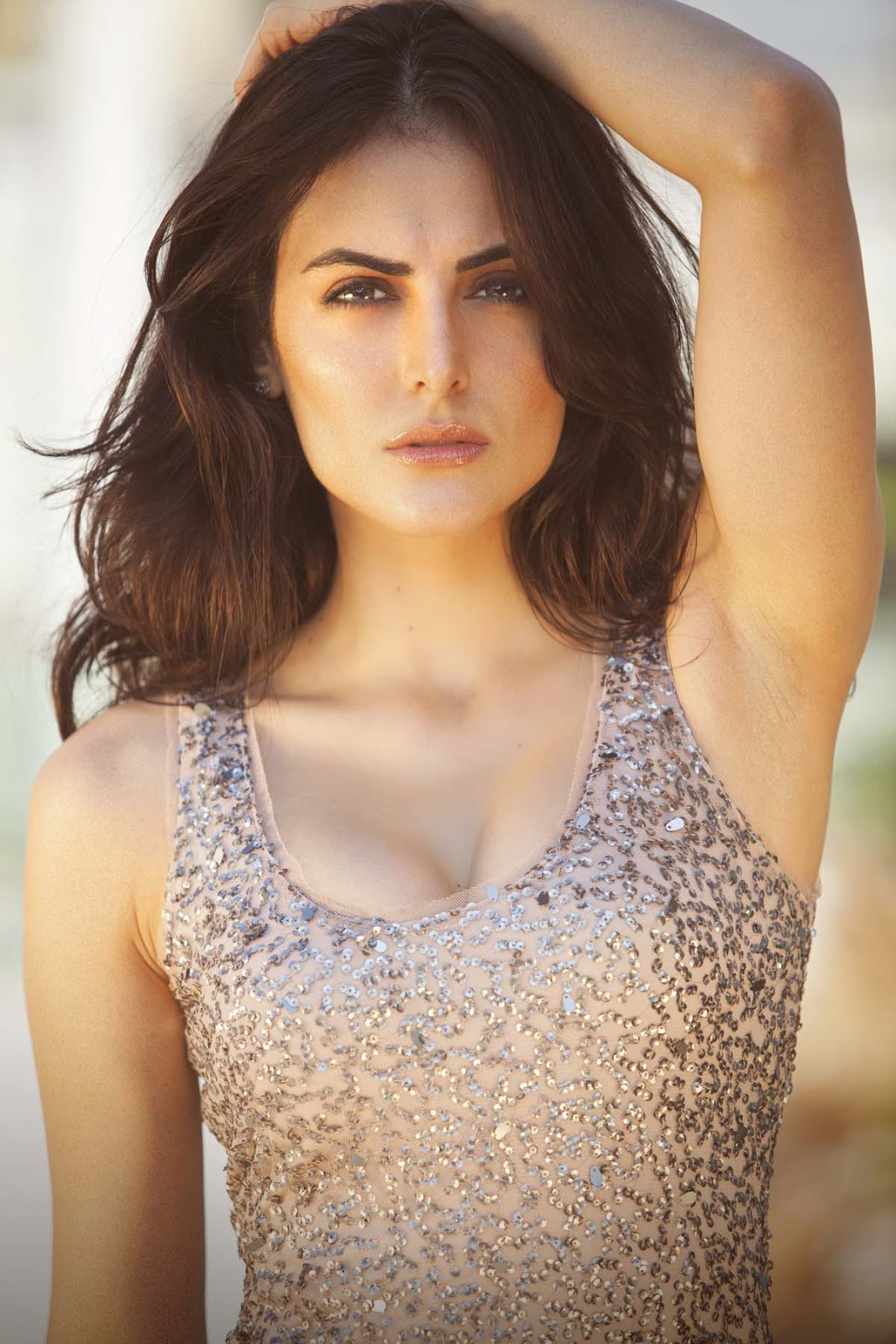 Dynamic Views: Beautiful Mandana Karimi Wallpaper