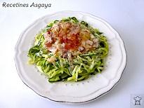 http://recetinesasgaya.blogspot.com.es/2014/06/spaguetti-de-calabacin-la-carbonara.html