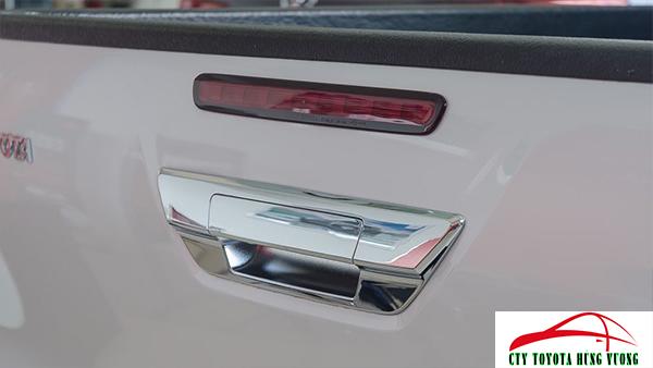 Giá xe, thông số kỹ thuật và đánh giá chi tiết bán tải Toyota Hilux 2018 nhập khẩu - ảnh 16