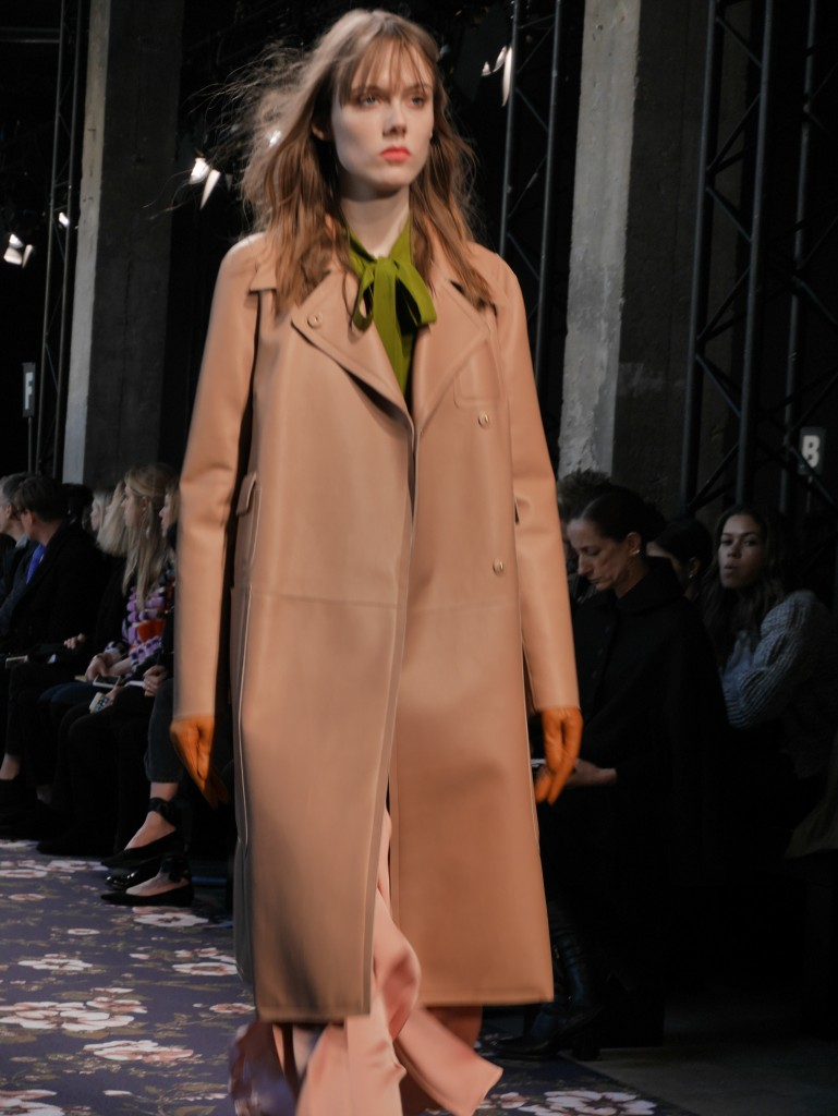 Paris Fashion Week  Rochas Fall-Winter 2016-2017 Photos © Crash {Cool Chic Style Fashion}