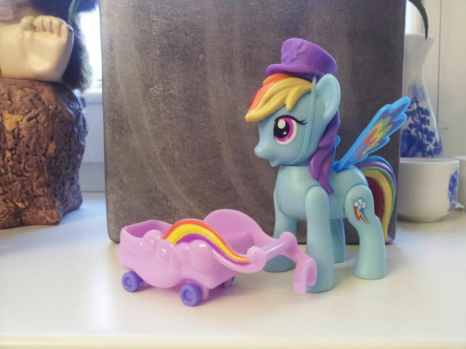 Rainbow Dash Zoom n GO figure