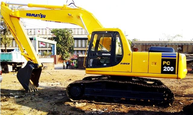 Komatsu Excavators PC200-6 - Alat Berat
