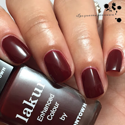 Swatch of Lady luck by Lakur LONDONTOWN