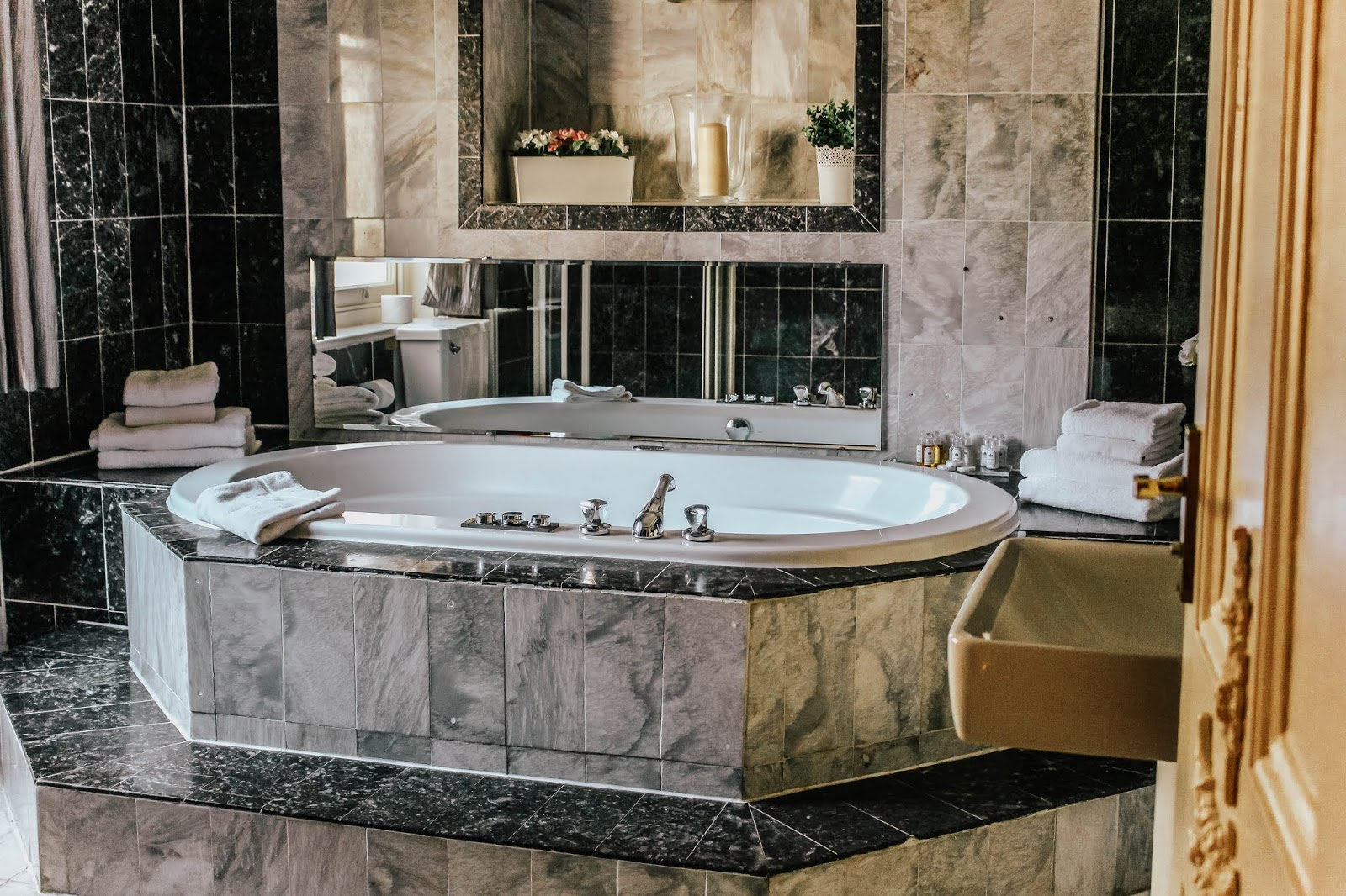 Luxury Hotel En Suite Bubble Bath London