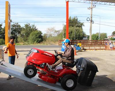 Buriram Garden Tractor Lawn Mower Delivery
